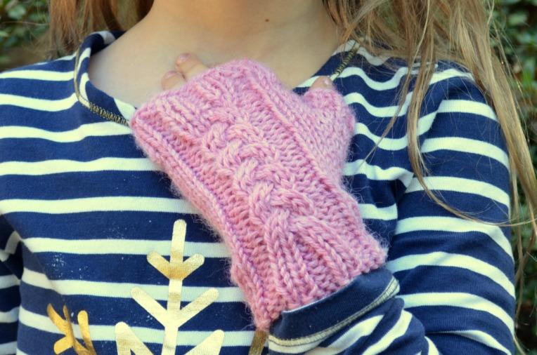 Free Pattern for Kid Size Fingerless Gloves